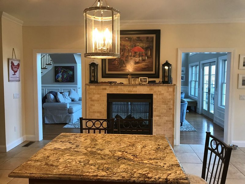 Hampton Getaway- Beautiful 5 bedroom house!, holiday rental in Westhampton