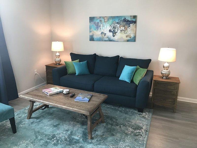 King Bed/Trendy nbhd/Pool/N. Charleston, vacation rental in North Charleston