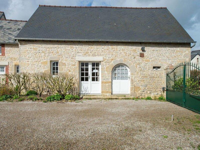 Cosy Holiday Home in Mandeville en Bassin with Garden, alquiler vacacional en Trevieres