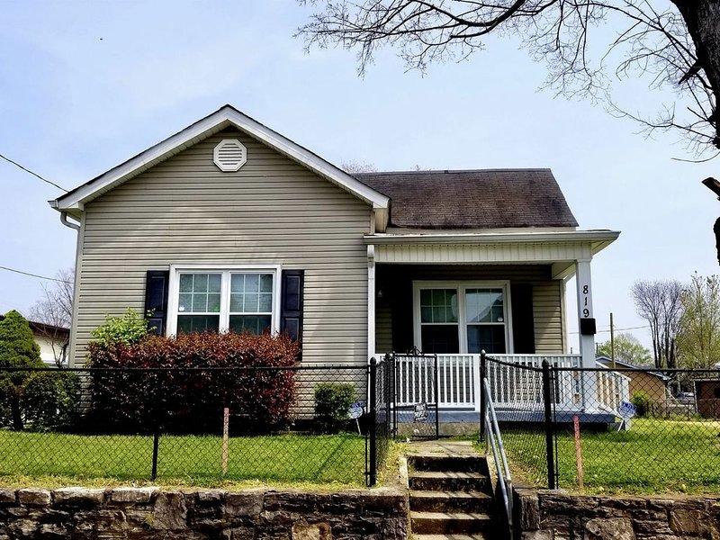 East Nashville 3 Room House, vacation rental in Nashville