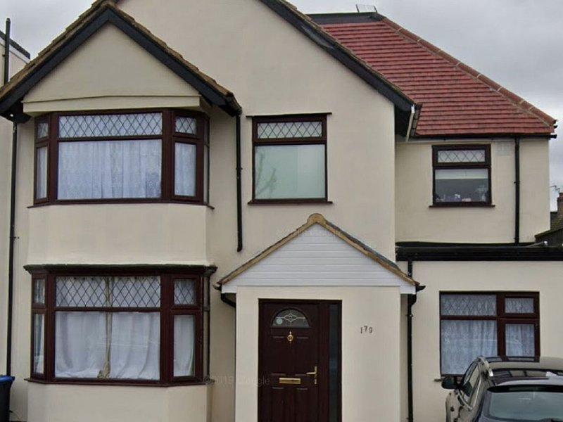 Elegant Holiday Home in London near Wembley Stadium, holiday rental in Colindale