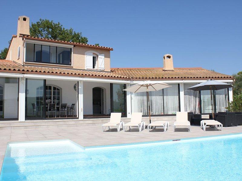 Grande villa avec piscine privée chauffée, holiday rental in Bagnols-en-Foret