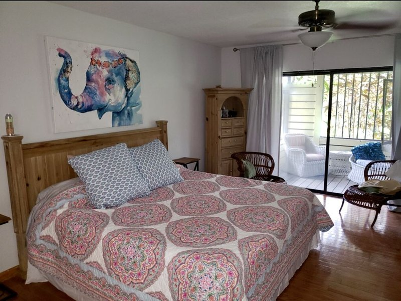 Pool grill 4/2.5 house, holiday rental in Loxahatchee