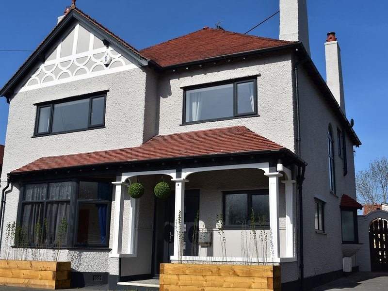 Brompton House, RHOS-ON-SEA, vacation rental in Colwyn Bay