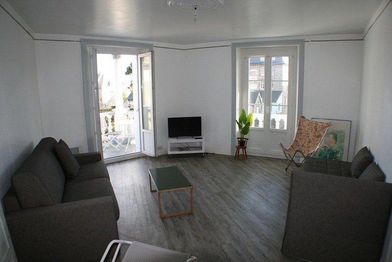 Charmant appartement en plein centre de Saint Cast, 1 chambre, 4 personnes. – semesterbostad i Saint-Cast le Guildo