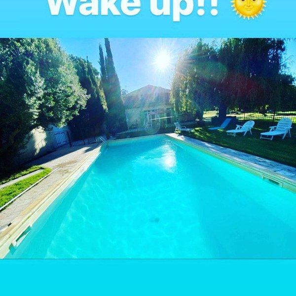 Mas Provençal en campagne, piscine privée et chauffée à partir du premier mai., vacation rental in Puygiron