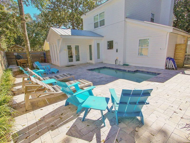 In the Grove, Private Heated Pool, Old Seagrove, Pet Friendly, Available April 1, holiday rental in Seagrove Beach