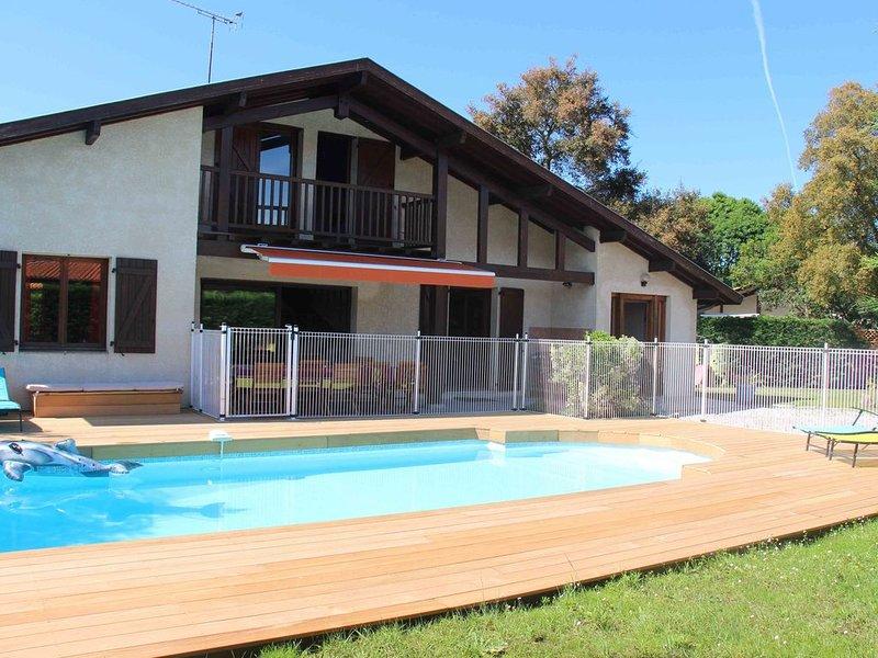 Maison spacieuse avec piscine au calme  labelisée 3 épis, vacation rental in Capbreton