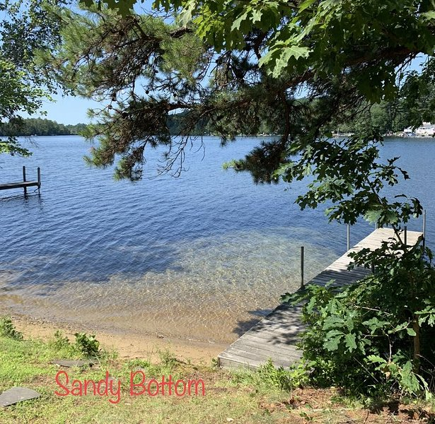 Winnisquam Waterfront for a Family Retreat w/dock & private boat launch, holiday rental in Loudon