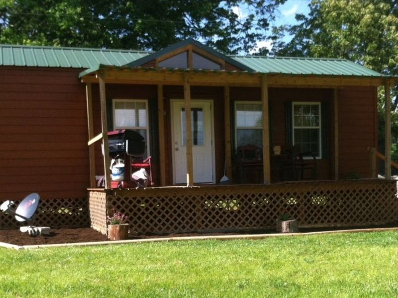 Overlooking a Slice of Heaven Near Dale Hollow Lake - Unit A - Pet Friendly, vacation rental in Albany