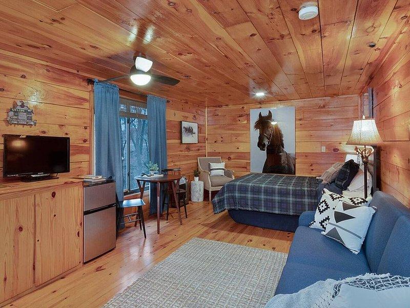 *Cabin 3* Cave Run Cabins at Cave Run Lake!, holiday rental in Frenchburg
