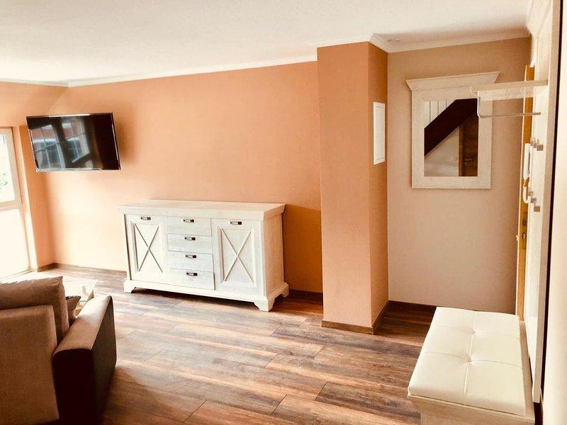 Suite BALDUR, traumhafte maisonette Wohnung, exklusive Lage, Privatstrand und Sa, holiday rental in Lobbe