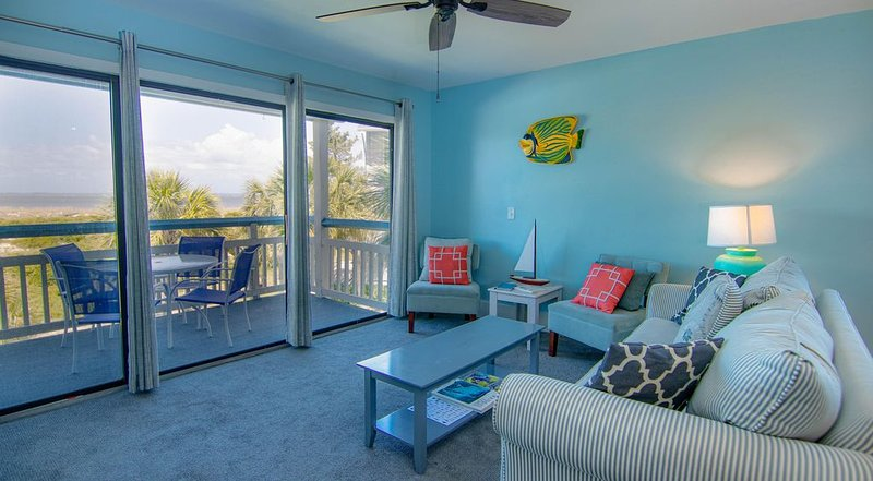Expansive Ocean View, Pet Friendly, and New King Bed in Master, holiday rental in Harbor Island