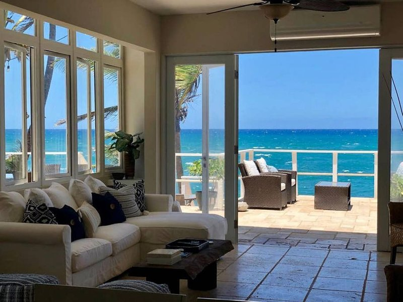La Casita | Oceanfront Villa Dorado, vacation rental in Dorado