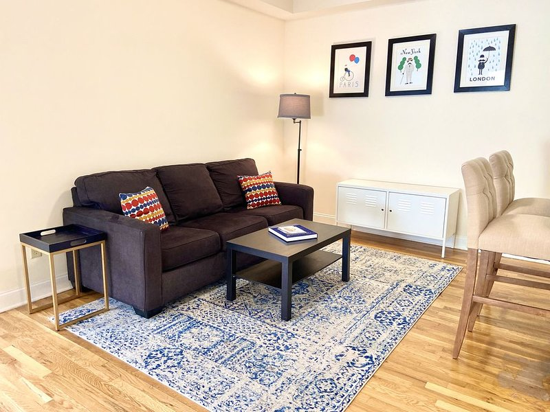 Beautiful 2 Bed/2 Bath | 20 Min to NYC | Hoboken, holiday rental in Hoboken