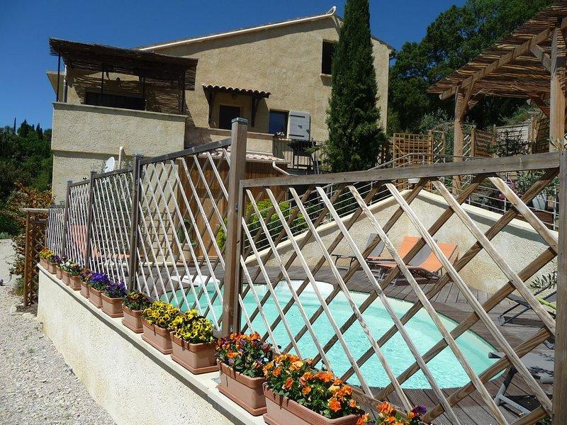 Gîte 'Le Mille Fleurs' en Drôme Provençale, aluguéis de temporada em Sahune