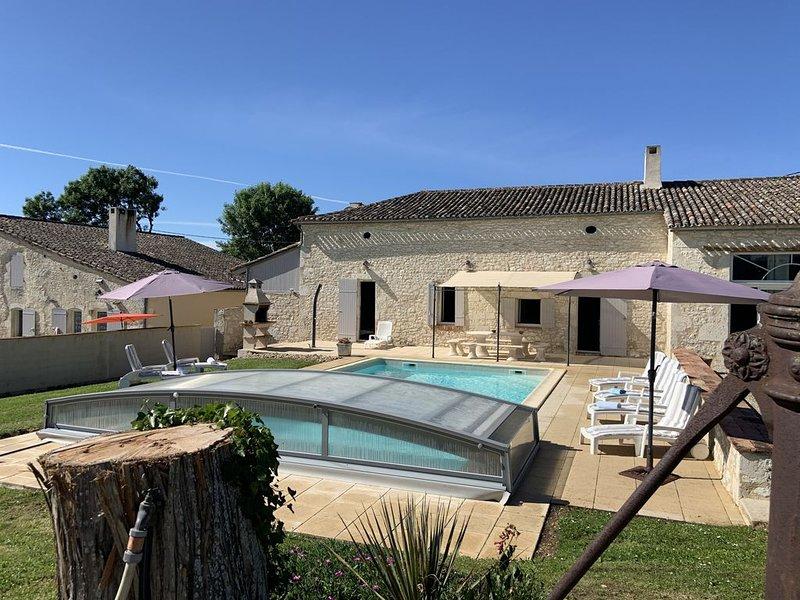 Maison de caractère à la campagne au calme dans le vignoble Bordelais, holiday rental in Riocaud