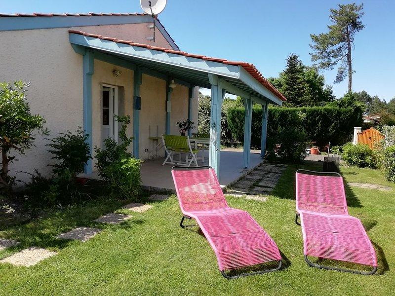 Gîte*** Prêt vélos, linge maison, ménage fds inclus et petit-déjeuner supplément, holiday rental in Gujan-Mestras