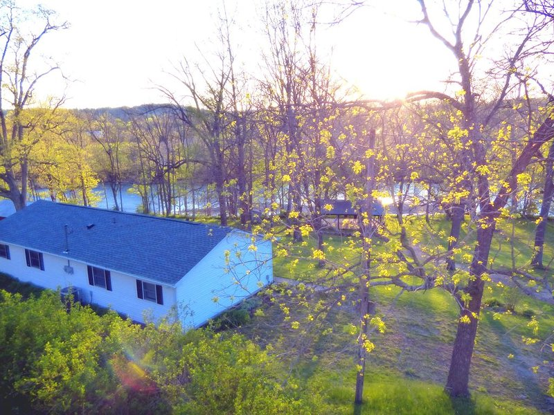 Guest house on the Whitewater River, holiday rental in Metamora