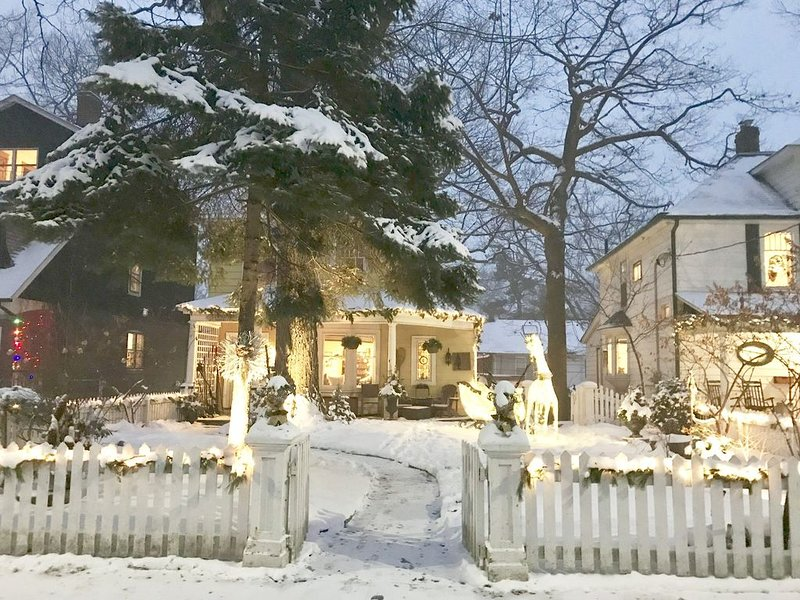 Beautiful Beach House, holiday rental in Pickering