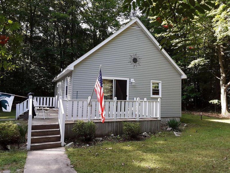 Linden Guesthouse Cottage, location de vacances à Ludington
