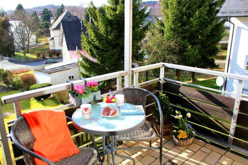 Ihre persönliche Auszeit! Ruhig & zentral gelegen, modern, gemütlich mit Balkon, holiday rental in Rehe