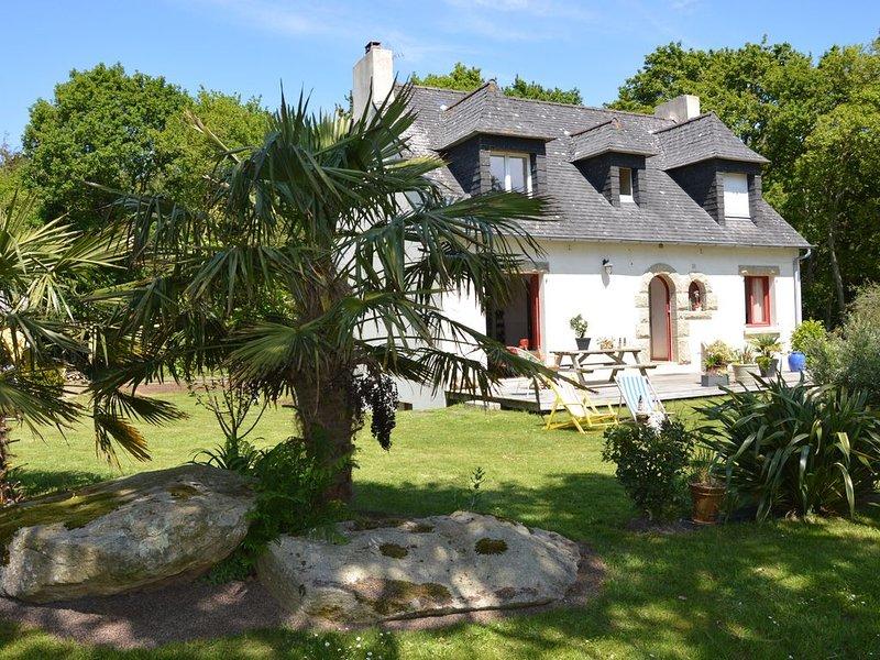 Mer d'iroise et plages à 15 min. pour cette charmante propriété proche de Brest, holiday rental in Saint-Renan