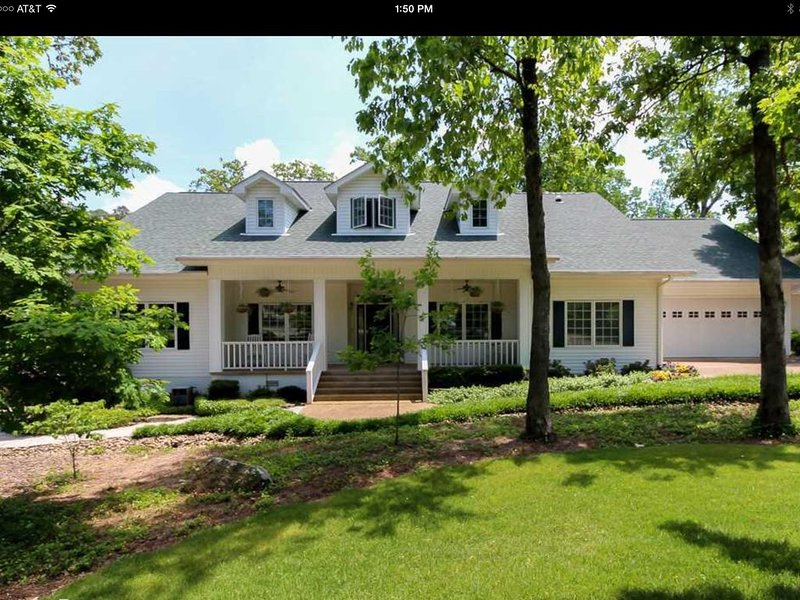 Southern Charm Home on a Beautiful Golf Course!, vacation rental in Hot Springs Village
