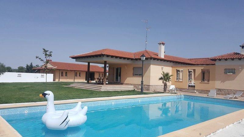 Finca Villamorena,descanso y silencio, holiday rental in Vega de Santa Maria