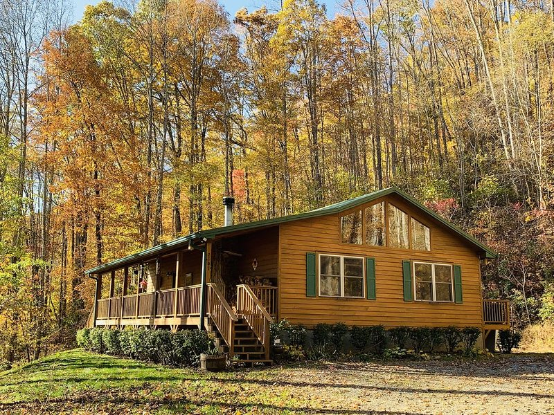Tranquility Cabin - When you're ready, we're here!, location de vacances à Sylva