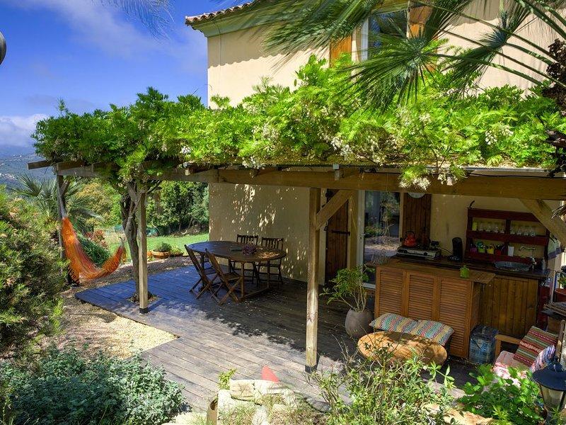 Gîte 2 chambres à la campagne, vue panoramique et proche de la mer., location de vacances à Valle-di-Mezzana