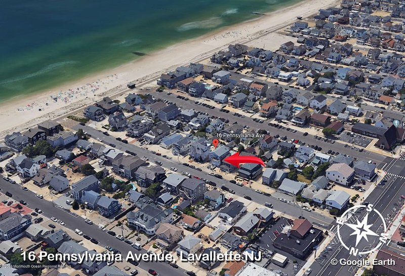 Lavallette Beach Block with Private Salt Water Pool, holiday rental in Lavallette