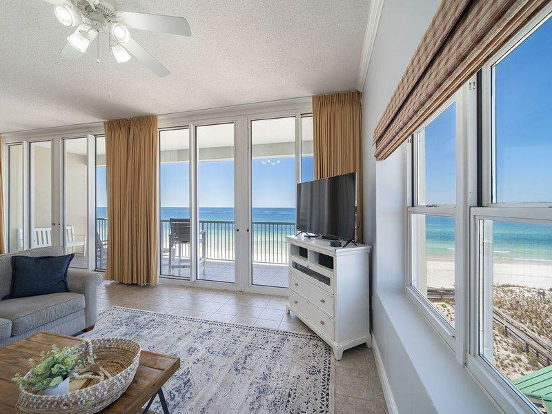 Waters Edge 603 ~ Top Floor Penthouse, Open Floor Plan, 10' Ceilings, Remodeled!, holiday rental in Fort Walton Beach