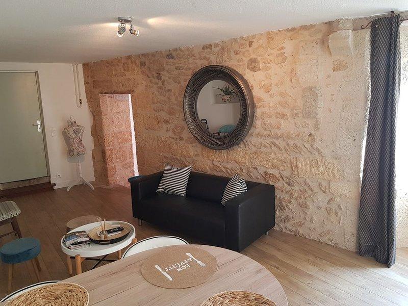 Superbe Appartement de Charme au coeur de Perigueux, aluguéis de temporada em Atur