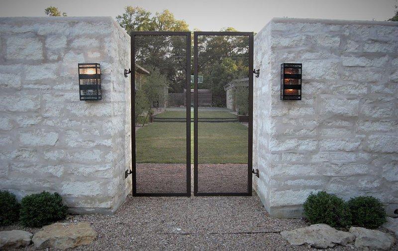 Hilltop Hideaway Minutes from Downtown, Barton Springs, alquiler vacacional en Austin