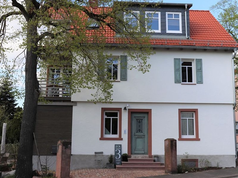 Individuell eingerichtetes Apartment mit Flair, holiday rental in Lower Franconia
