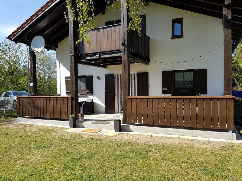 Spacious holiday home in an idyllic location in Waldferiendorf, holiday rental in Zachenberg