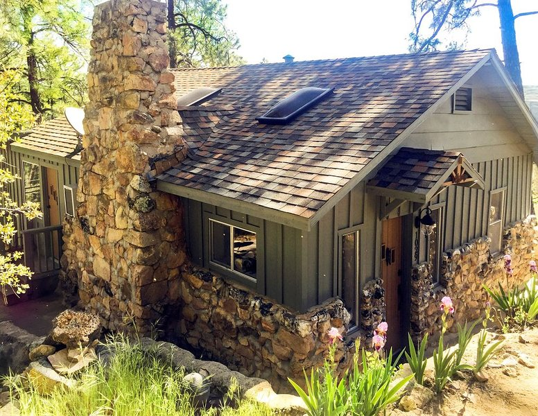 Charming  Mountain Club Home Close to Downtown, casa vacanza a Skull Valley