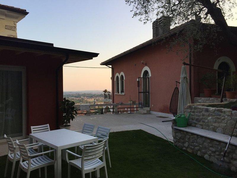 Villa Rossa Dependance Lago di Garda Bardolino-Cavaion (Dependance ), Ferienwohnung in Domegliara