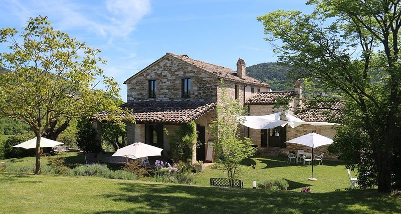 Agriturismo Il Girasole - Santa Maria, holiday rental in Genga