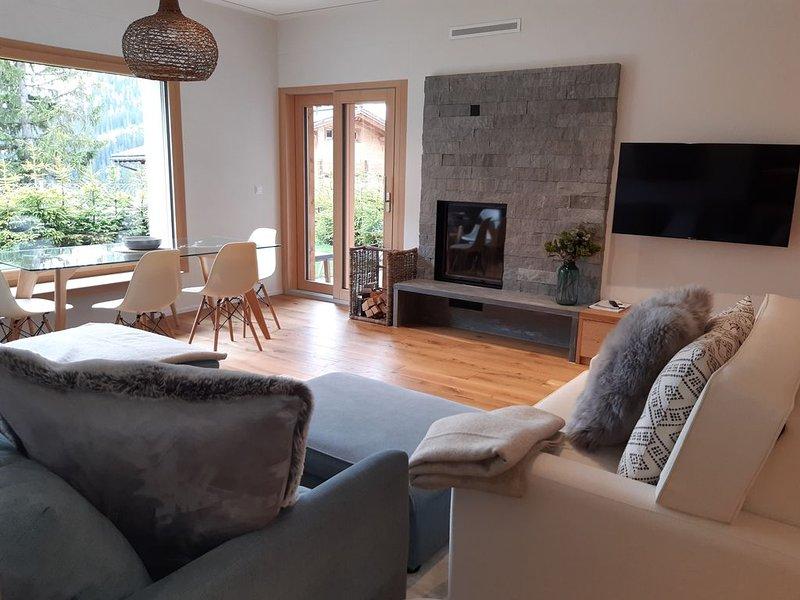 Gemütliche, familienfreundliche Wohnung mit Kamin, Sauna und Spielzimmer im Haus, location de vacances à Arosa