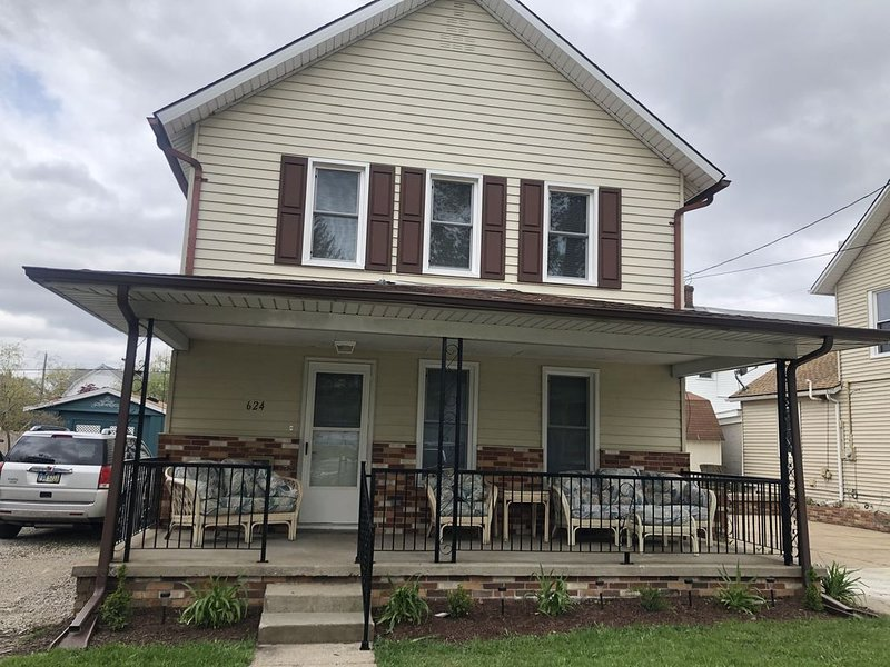 Cove District 4 BR 3.5 Mi from Cedar Point, holiday rental in Sandusky