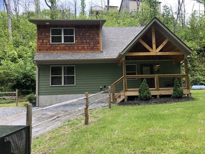 Gobbler's Ridge -WALKING DISTANCE TO DOWNTOWN GATLINBURG, location de vacances à Parc national des Great Smoky Mountains