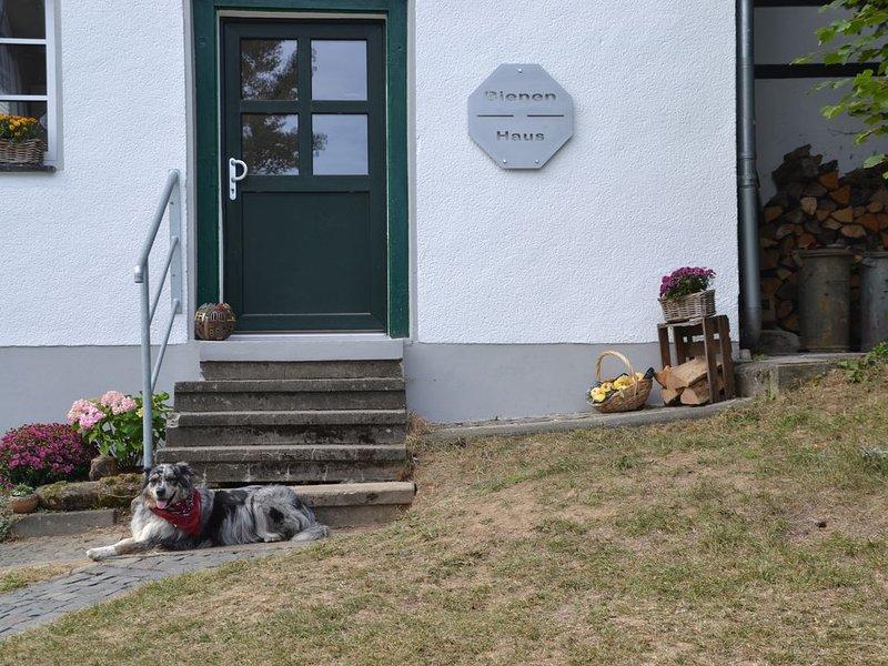 Altes Bienenhaus - Ferienwohnung im Westerwald, holiday rental in Reichshof