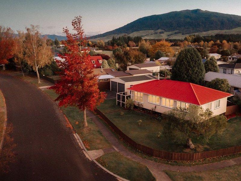 Alpine House Tongariro - Turangi Holiday Home, holiday rental in Turangi