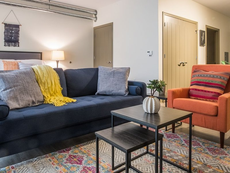 Industrial Lawrenceville Studio Apt near Butler St, vacation rental in Pittsburgh