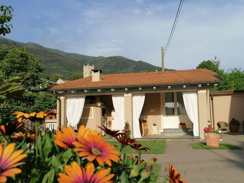 Confortevole casa con piscina immersa nella natura a Camaiore, Toscana, aluguéis de temporada em Camaiore