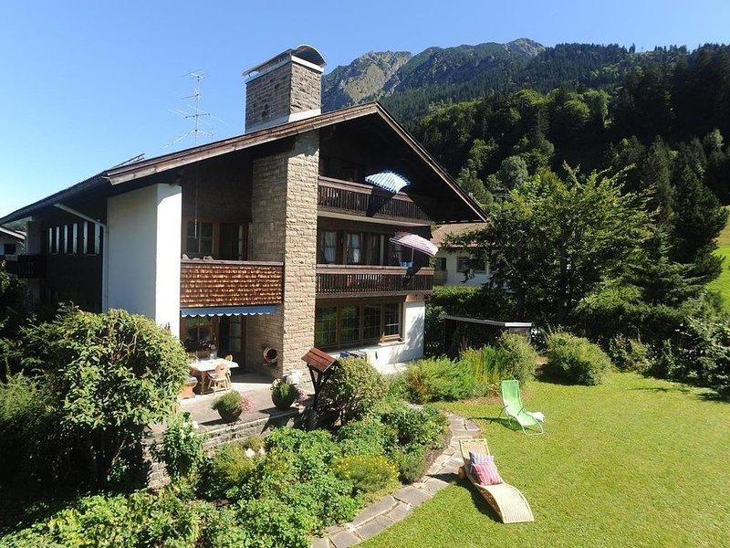 Ruhige sonnige Lage, direkt in Oberstdorf, alle Bergbahnen kostenlos zubuchbar, alquiler vacacional en Oberstdorf