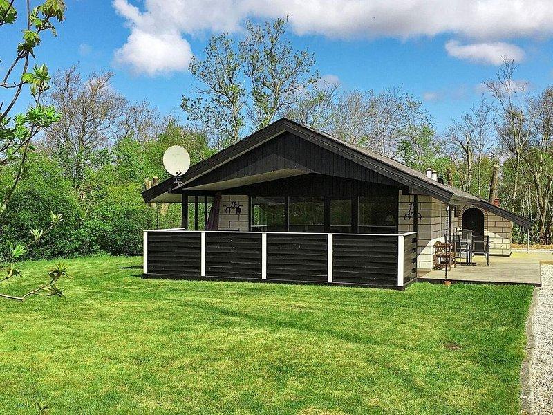 Amazing Holiday Home in Hemmet Jutland with Sauna, aluguéis de temporada em Skjern