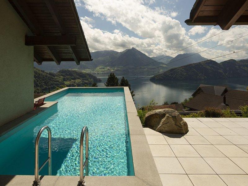 Villa am Vierwaldstättersee, direkt an der Rigi-Bahn, vacation rental in Gersau